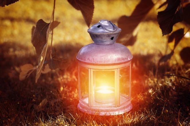 lanterne-guide-voix-méditation-contribution-au-monde